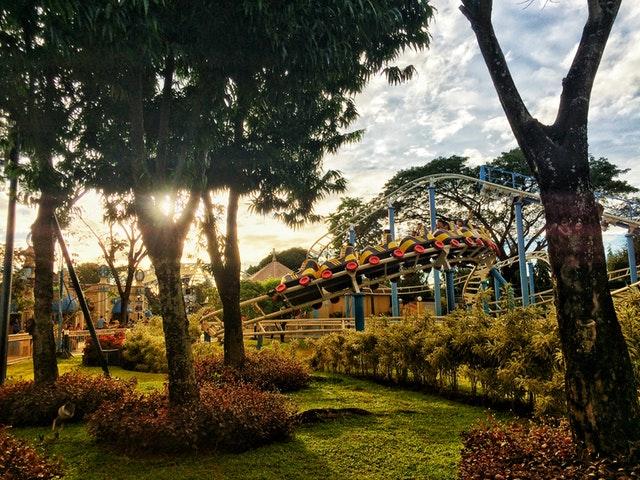Proyecto para un parque temático con poliéster