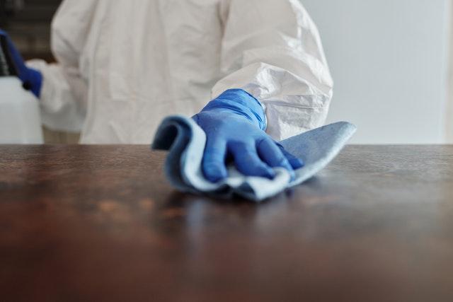 elementos con poliester para evitar contagios