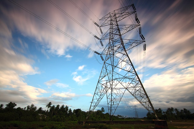 uso de poliester en electricidad y electronica